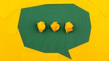 独り言が多いのは病気?独り言のメリットと危険性